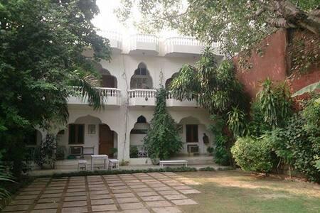 Shahar Palace - The Peacock Garden - 斋浦尔 - 住宿加早餐