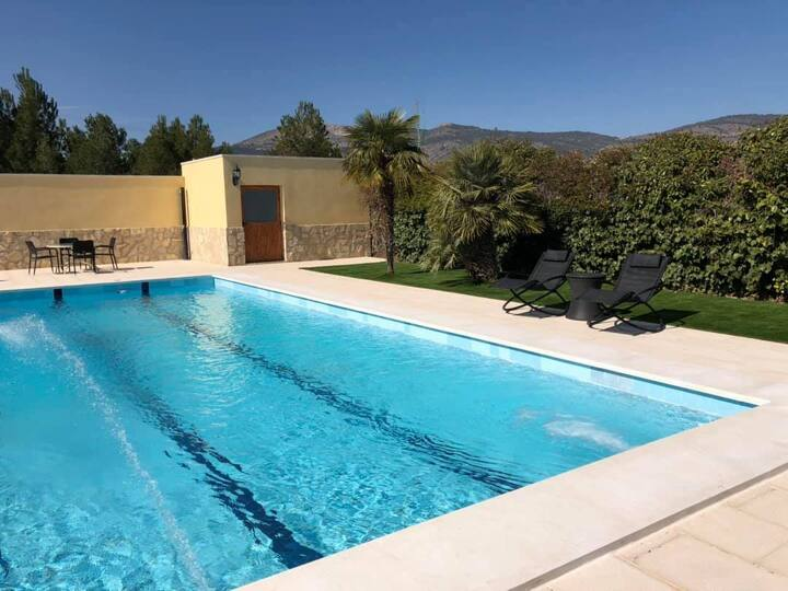 Family duplex & suite with pool Alicante country