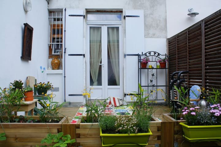 cosy FLAT with Terrace. 20 min from Paris! - Montreuil - Apartament