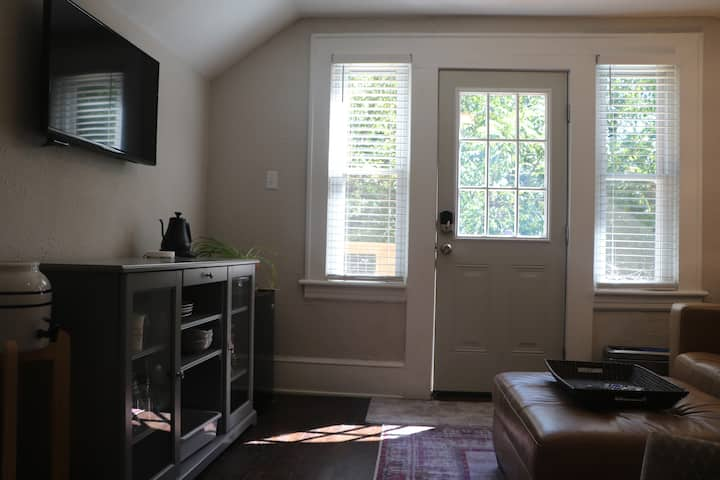 AVL apartment near downtown & Mission Hospital
