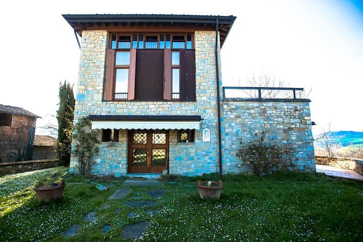 Casa con vista - Viano - Hus