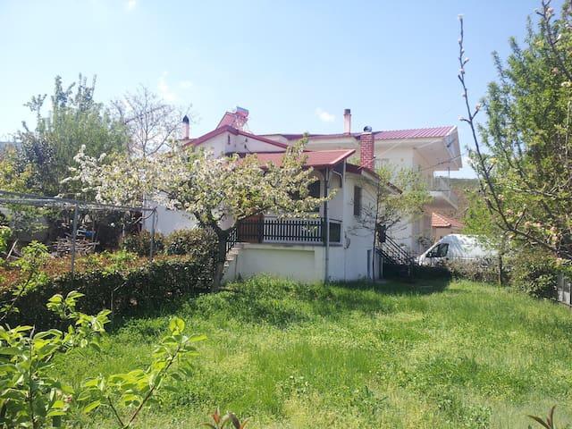 Little House on the Prairie - Μελιταία