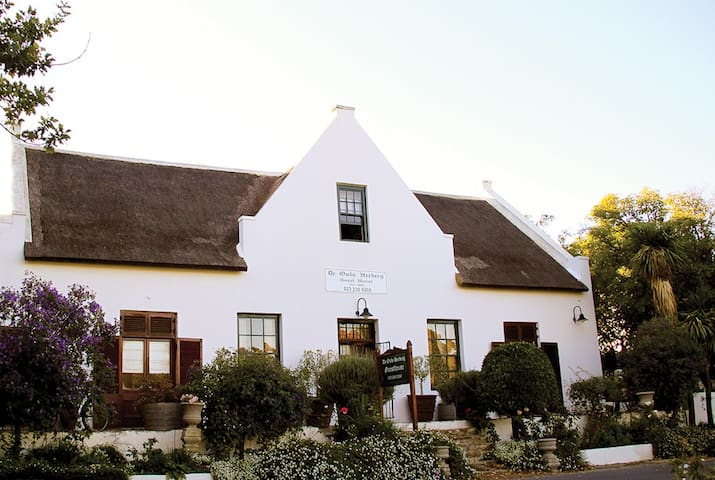 TULBAGH JEWEL OF THE CAPE - Tulbagh - Wikt i opierunek