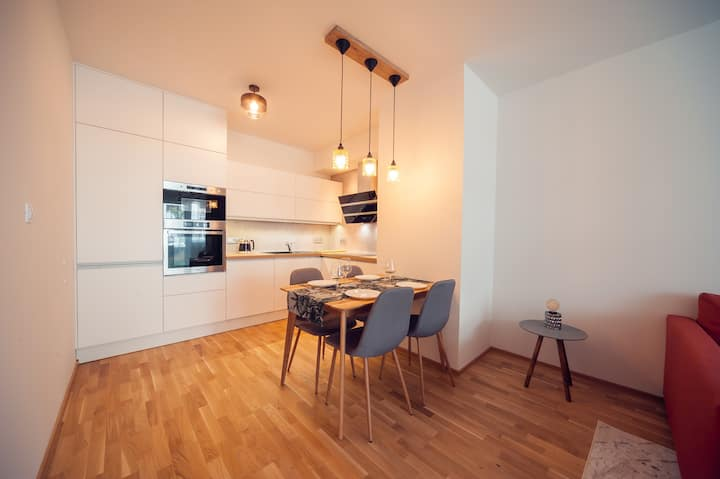Garden Apartment - FREE parking - NETFLIX