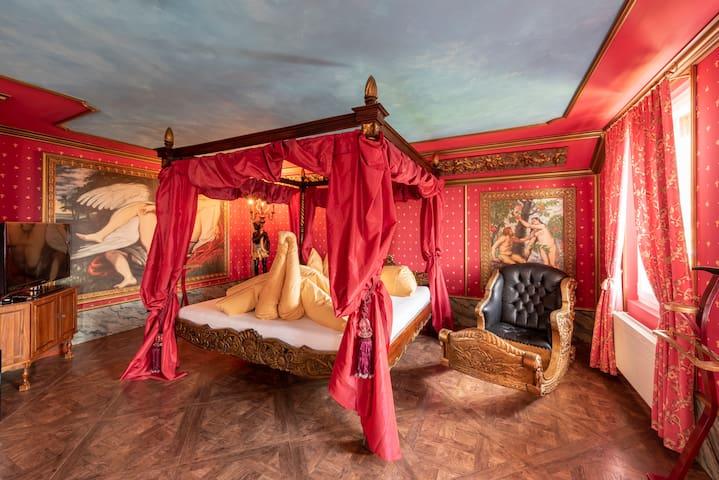 Schlosssuite mit privatem Whirlpool und Sauna