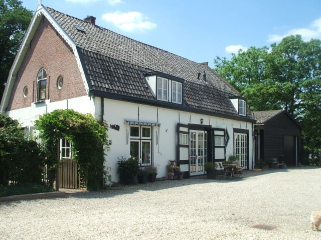 Bed & Breakfast in oud Koetshuis