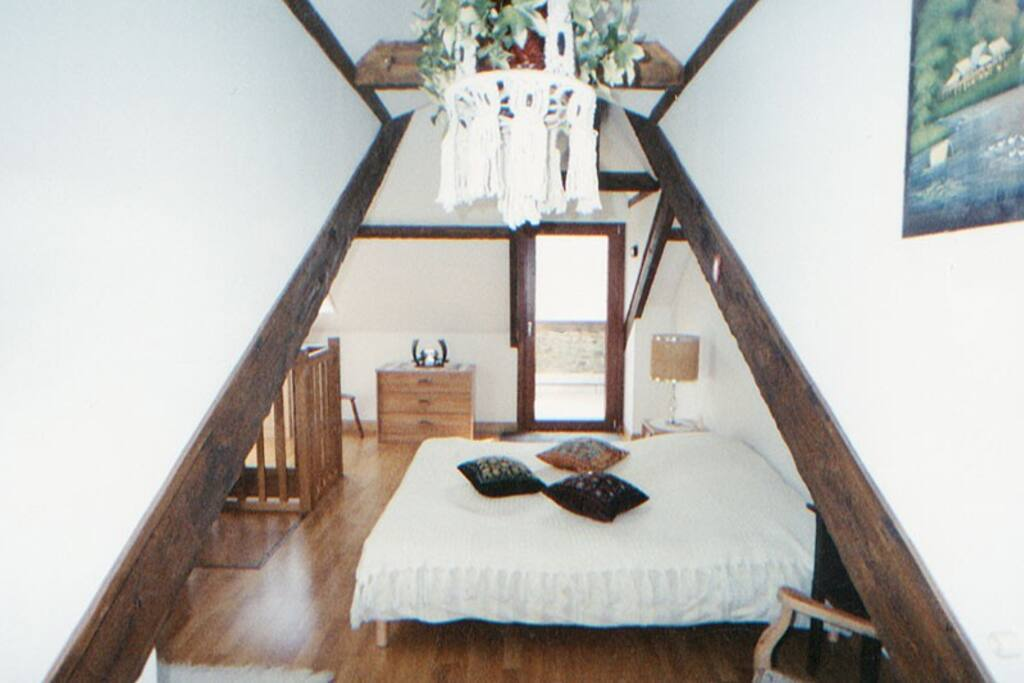 chambre mezzanine coté droit avec accès a la terrasse