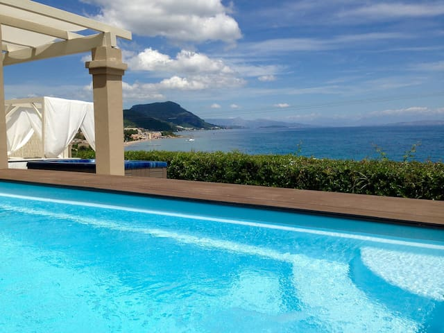 2 BRs Lux Villa, Private Pool & Hot-Tub, Sea Views