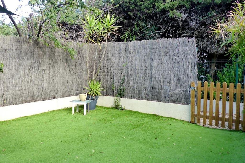 A calm garden : a haven in the heart of the Cap d'Antibes