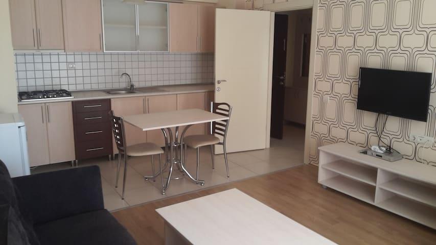 ***ÖDTÜ, YAKINLARINDA SICAK BİR EV - Ankara - Apartment