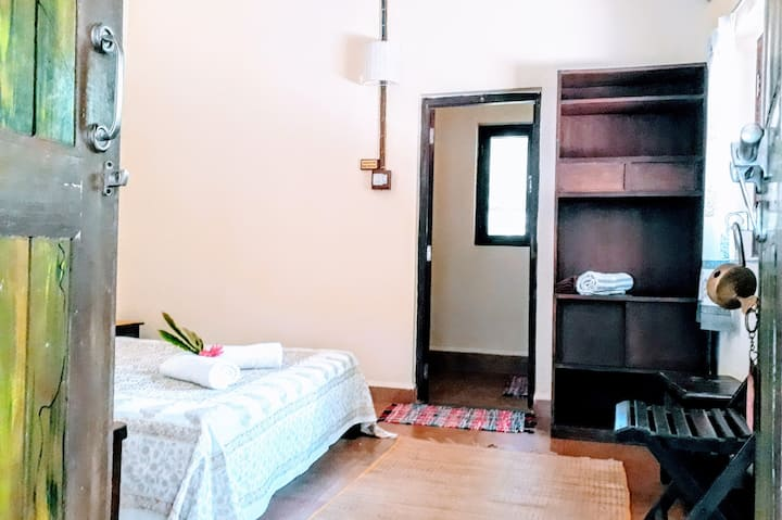 Mangaal Farm  Stay standard room/breakfast 5 - Goa