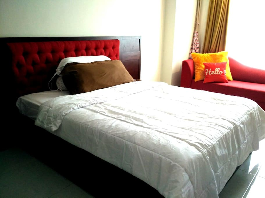 Queen bed + sofa