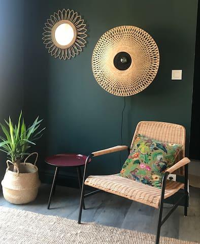 Kool chambre avec Jacuzzi et terrasse privative
