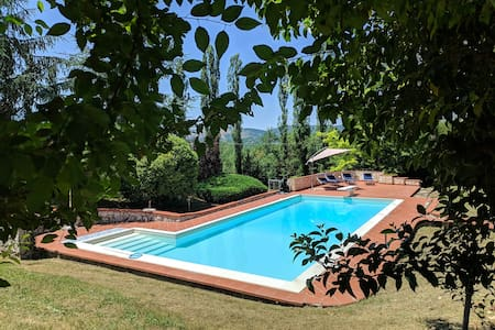Casa Vacanze Valcomino 2 with garden and Pool