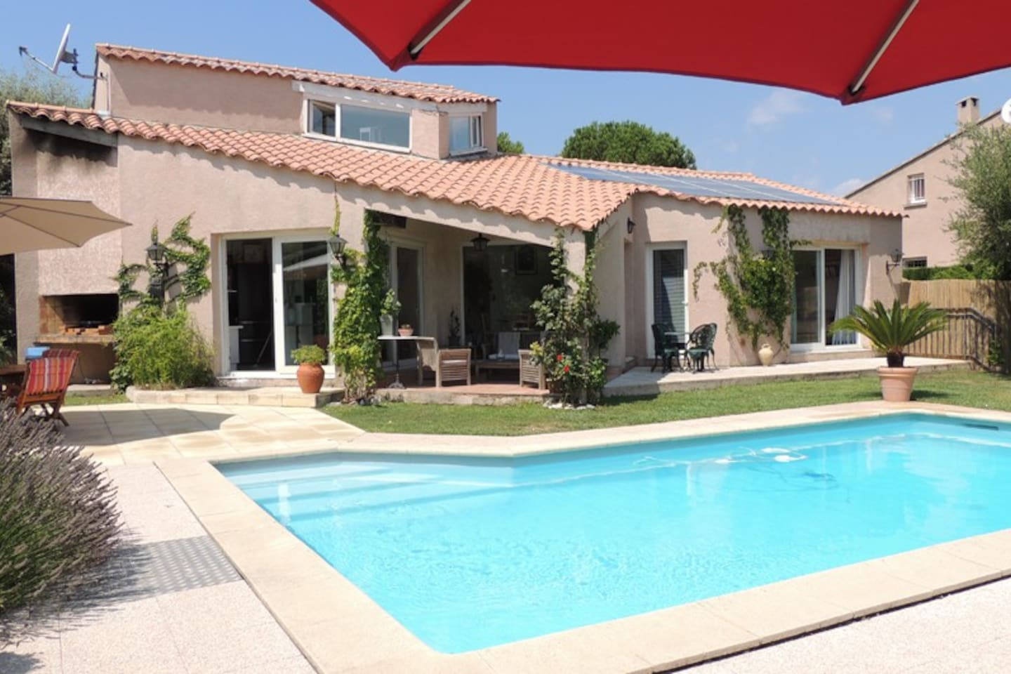 Beautiful house swiming pool France