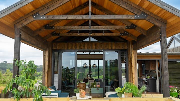 Vineyard Valley Estate - Onetangi, Waiheke Island