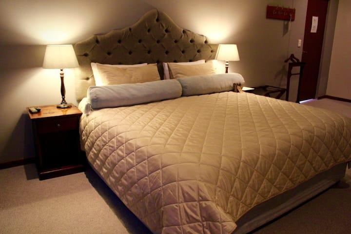 Ilita Lodge Deluxe Lodge Room