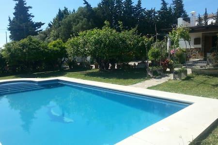 Villa con piscina privada, Estepona - Málaga