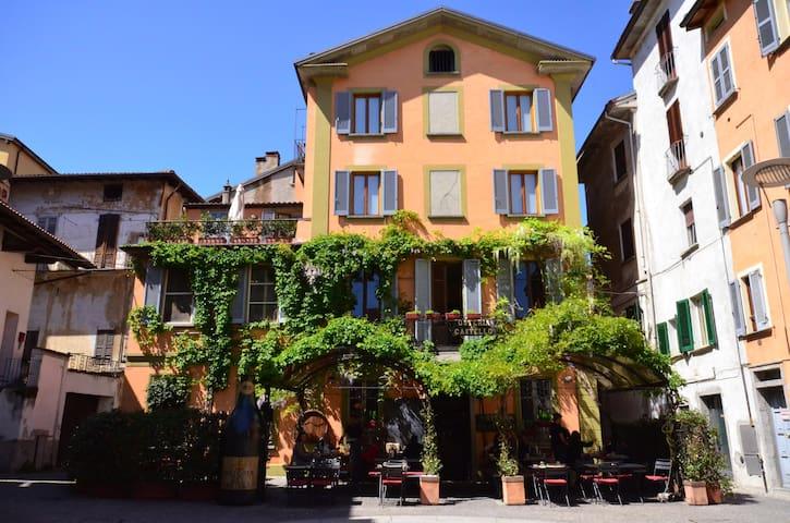 Casa nel centro storico di Intra - Intra - Apartament