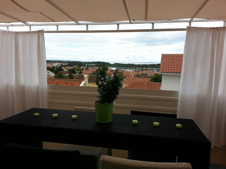 Apartments-in center Novalja, 2+2