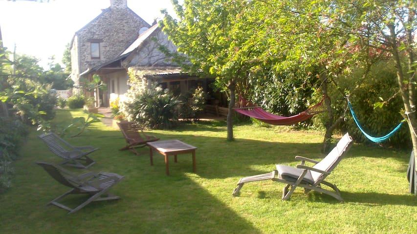 Maison en pierre en Normandie - Banneville-sur-Ajon - Casa