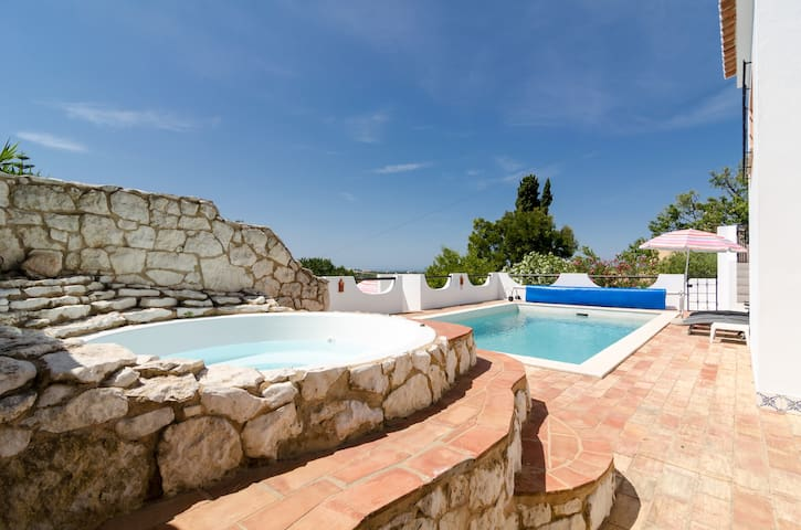 Secluded villa, private pool, quiet area near Luz - Luz - Villa
