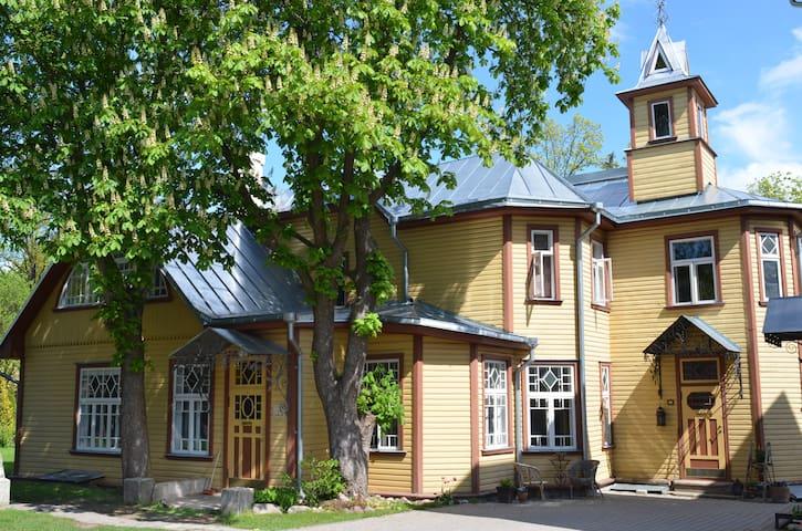 """Room in a """"wooden castle""""  - Tartu - Casa"""