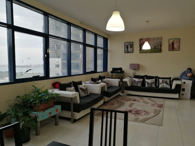 Private Room in large apartment, Al Khalidiyah