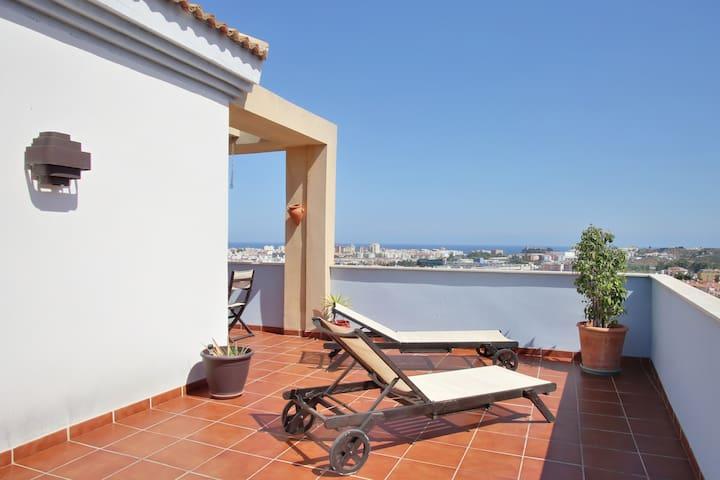 Promocion Semana Santa .ATICO *****  VISTAS AL MAR - Málaga - Apartamento