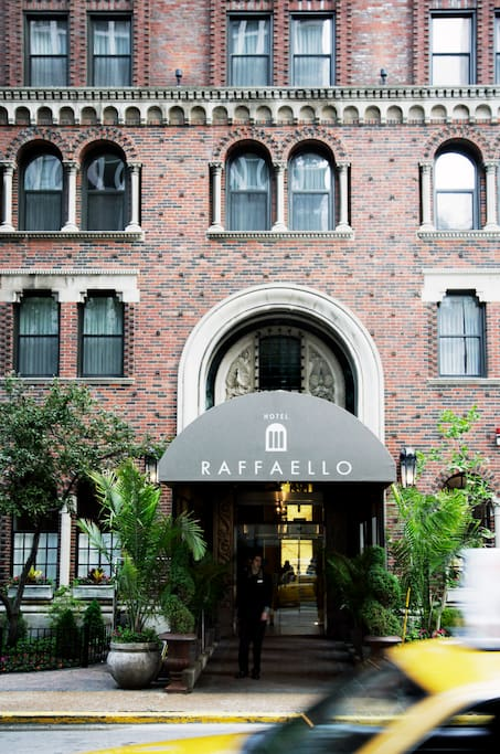 grand suite raffaello hotel apartments for rent in. Black Bedroom Furniture Sets. Home Design Ideas