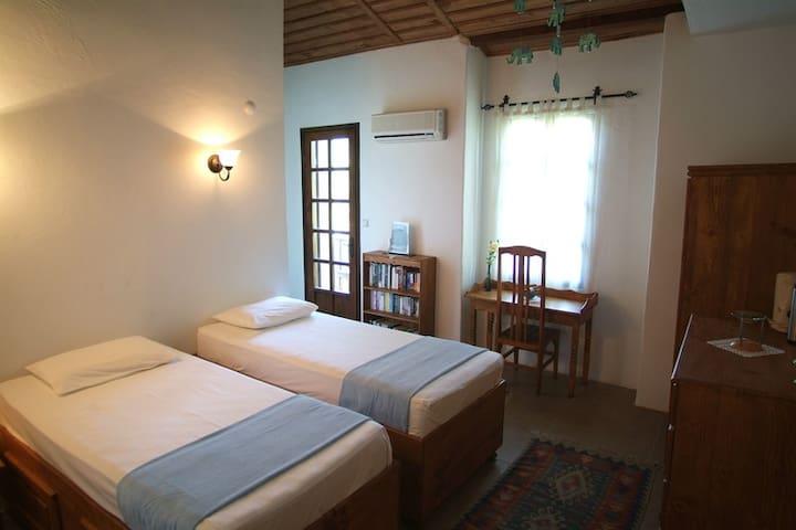 kaya köy MİSAFİR EVİ - fethiye - Bed & Breakfast