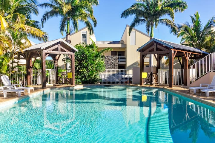 Oasis -Apt avec jardin dans résidence avec piscine