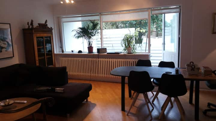 Cozy flat only 15 minute walk down town!!