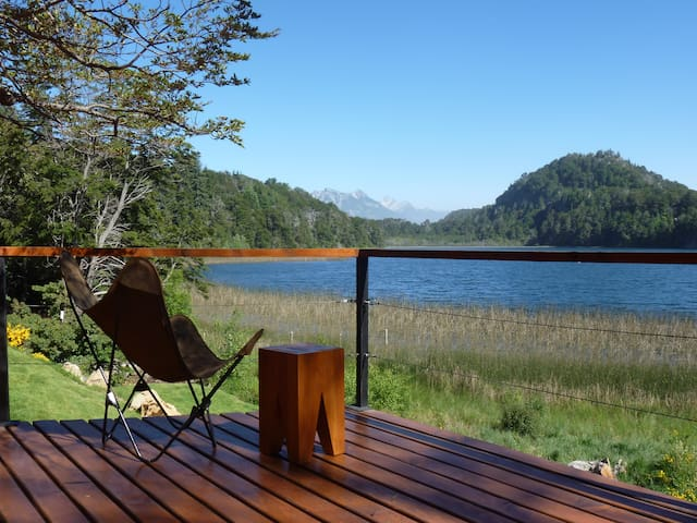 GREEN ROOF HOUSE ON THE LAGOON - San Carlos de Bariloche - Huis