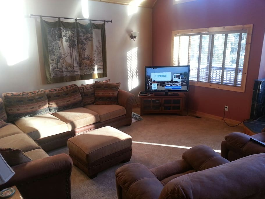 Family room with HD TV, Wifi, Netflix