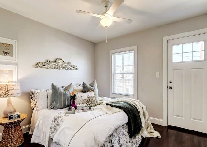 Private Room in Federal Hill/Riverside