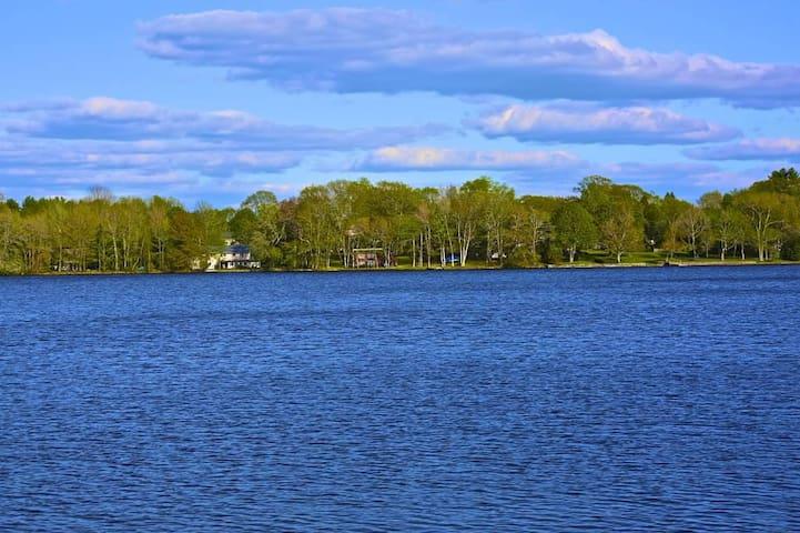 Lakefront getaway!  - Charlton - Hus