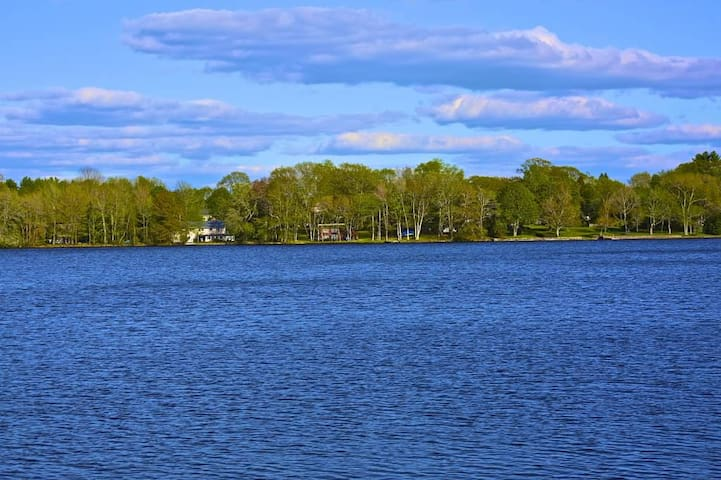 Lakefront getaway!  - Charlton - Σπίτι