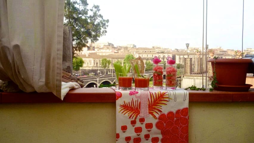 Mansarda al centro di Catania - Catânia - Apartamento
