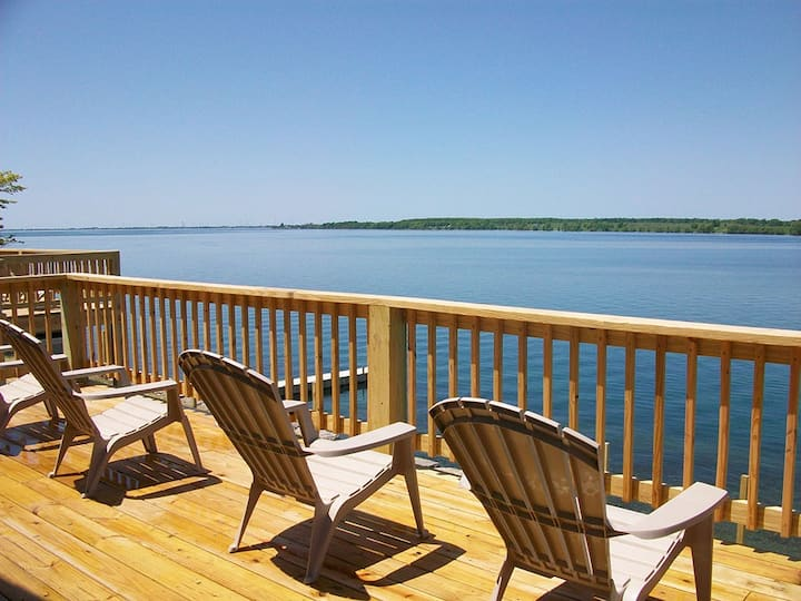Stunning views of the of St. Lawrence River (#13)