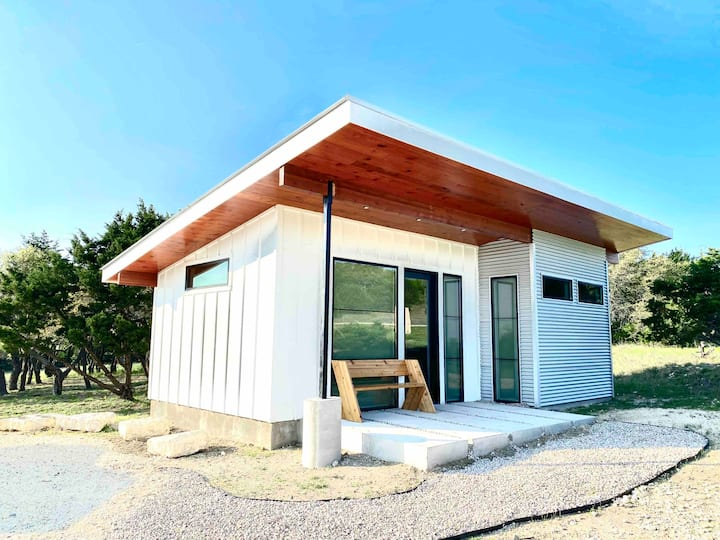 Louie - Modern Tiny House - Tom Dooley's Hideout