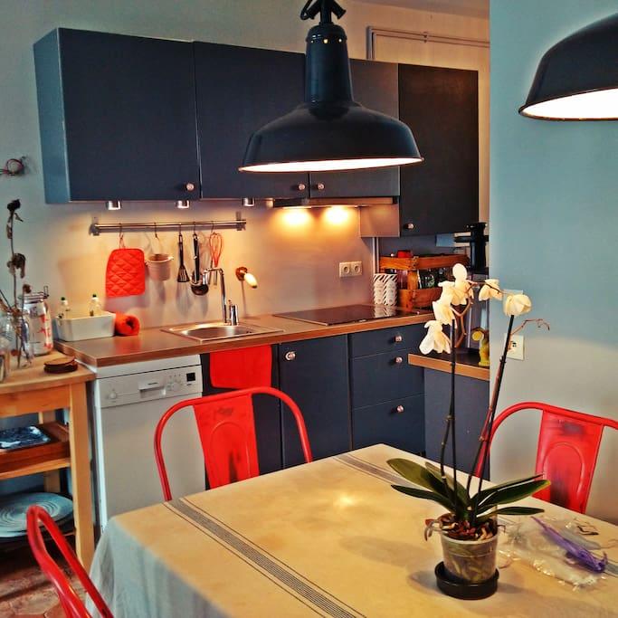 L'espace cuisine et la salle à manger