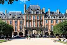 "15-20min Walk to discover one of the most authentic Parisian area: ""Le Marais"""