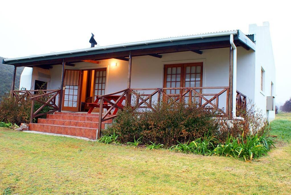 akkerboom country cottages h user zur miete in barrydale westkap s dafrika. Black Bedroom Furniture Sets. Home Design Ideas