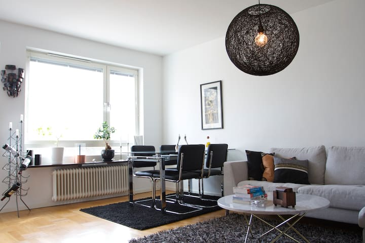 Own Apartment or Bedroom in Solna (10min to city) - Solna - Appartamento