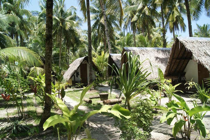 Dream Catcher Nipas – Jungle Garden hut 5