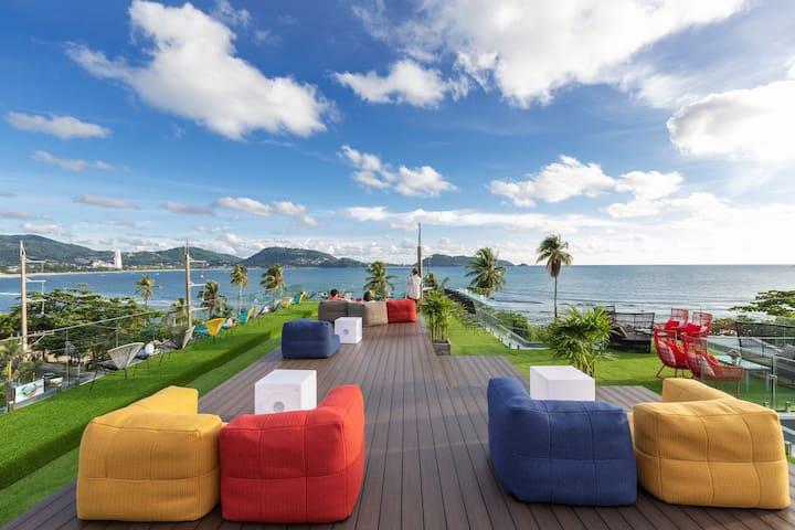 Luxury beach studio, gym, pool, free breakfast