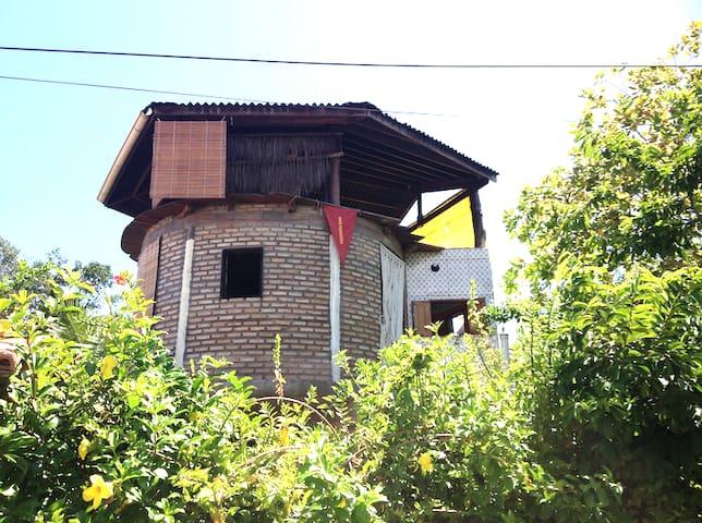 Redonda casa