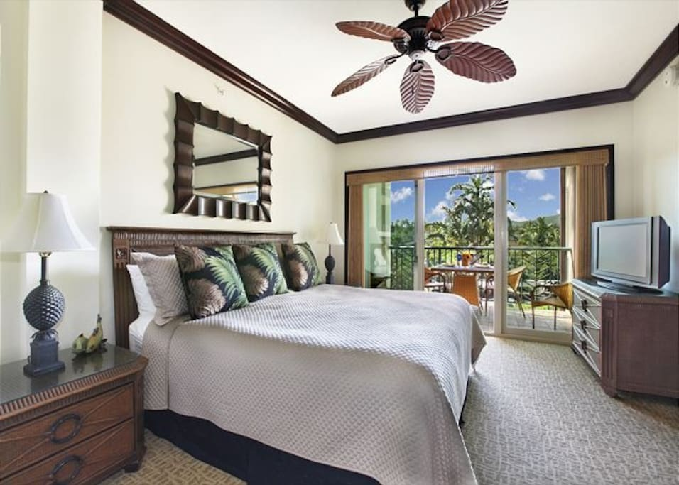 Master Bedroom #1, King Bed with Ensuite