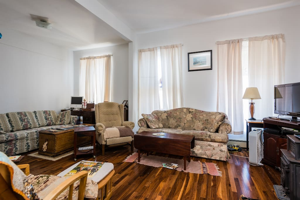 Stunning Walnut floors in L.R.(and Basic Cable)